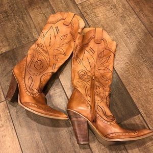 BCBG Girls super sexy cowboy boots